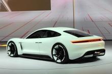 ผู้บริหาร Porsche เชื่อมั่นรถพลังงานไฟฟ้าดีกว่า Tesla แน่นอน