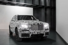 Rolls-Royce จะเริ่มนำเสนอรถเอสยูวีในกิจกรรมพิเศษช่วงซัมเมอร์นี้