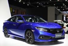 เปิดตัว Honda Civic รุ่นปรับโฉมล่าสุด ราคา 874,000-1,219,000 บาท